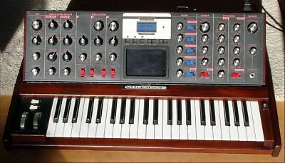 MOOG Minimoog Voyager Select Series Synthesizer