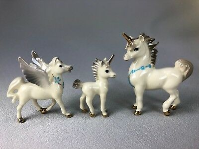 Hagen Renaker Lot Of 3 Horses Including Pegasus, Unicorn Papa And Unicorn Baby