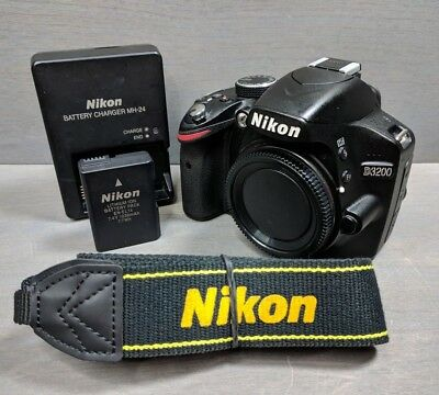 Nikon D3200 24.2 MP Digital SLR Camera - Black (Body Only) - diopter issue