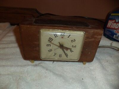 Vintage Wooden GE Telechron Electric Clock Model 7H235 WORKS brass tag telegraph