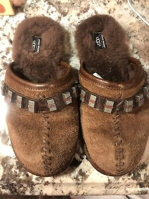 16fa3e52ce0 UGG STAR WARS CHEWBACCA WOOKIE SCUFF DECCO SLIPPERS Youth Size 4 Boys/Girls