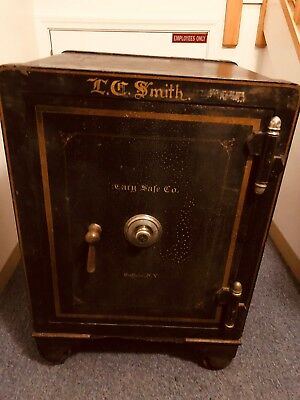 1800's Antique iron Hercules sage company Floor Safe in Good Condition