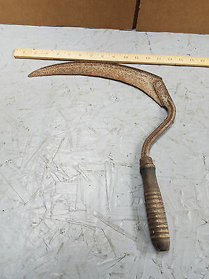 VINTAGE Antique  GRASS HOOK / SICKLE /SCYTHE