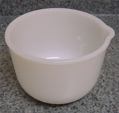 VTG Glasbake 20 C J White Milk Glass Small Mixing Bowl with Spout Made 4 Sunbeam