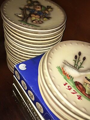 COMPLETE SET of GOEBEL HUMMEL ANNUAL COLLECTOR PLATES 1971-1995 (25 Plates)