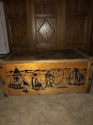 1950s Vintage Roy Rogers Wooden Toy Chest / Trunk. Rope Handles
