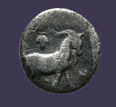 Archaios | Diobol Troas Antandros. Nymph / Goat Right Grape bunch | Inv1901.2
