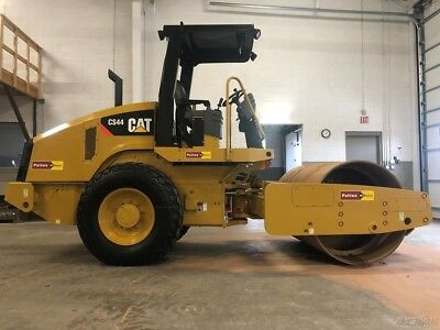 "2013 Caterpillar CS44 Vibratory Compactor Roller Diesel 84"" Smooth Drum Cat"
