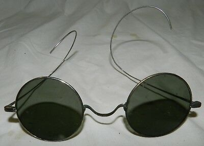 "Vintage Wire Frame Sunglasses with Round lenses about 1 5/8"" across"