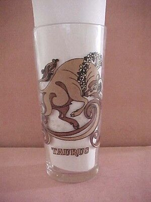 "Vintage Arby's Promo Glass ""taurus"" 1976 ** April 20 -May 21"