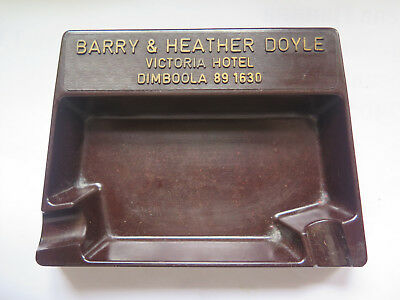 VICTORIA HOTEL DIMBOOLA VICTORIA BARRY & HEATHER DOYLE c1950s BAKELITE ASHTRAY