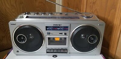 Vintage Sony GhettoBlaster CFS-66  Stereo Cassette Player ReCorder FM AM Radio