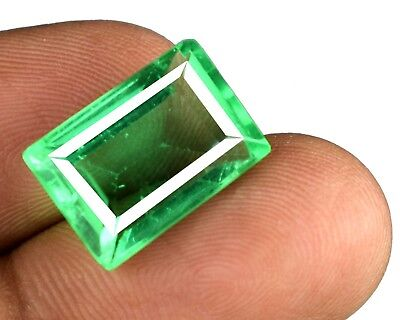Green Emerald Russian Gemstone 8.40 Carat Emerald Cut VS Clarity Certified