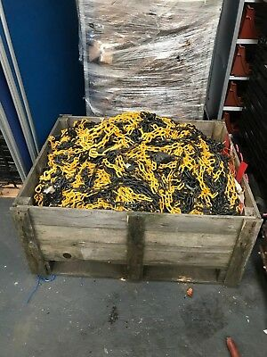 Used Plastic Warning Chain Yellow and Black Warehouse Caution Safety Barrier