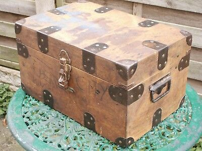Vintage Keepsake Box, Trunk, Chest, Storage --- 1950S --1960S