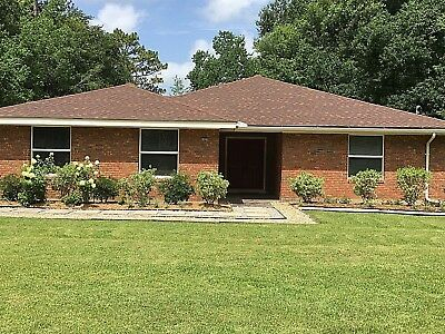 Brick built atomic ranch home in Covington, LA