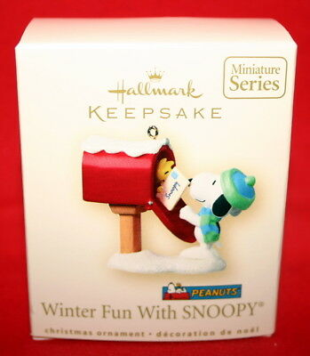 Hallmark Miniature Ornament 2007 Winter Fun With Snoopy #10  In The Series
