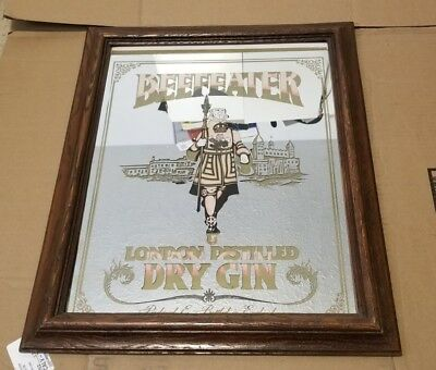 BEEFEATER LONDON DISTILLED DRY GIN MIRRORED Brown Wooden Tray