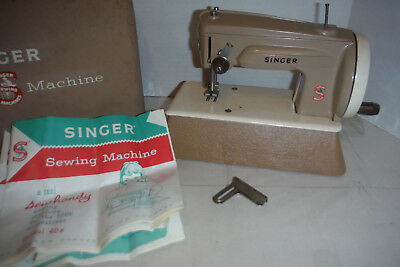 Vintage Singer Child's Toy Sewhandy Miniature Sewing Machine Model 40K S