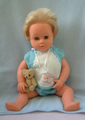 60s Palitoy Tiny Tears baby doll 16D - orig outfit bib plastic pants + 2 x dummy