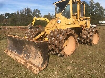 815b caterpillar soil compactor