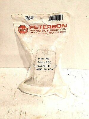 Peterson Manufacturing Clear Replacement Lens Light Cover STT 30625C 04446490909