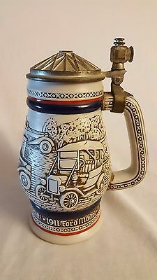 AVON BEER STEIN *ANTIQUE CARS* 1979 (Repaired handle)