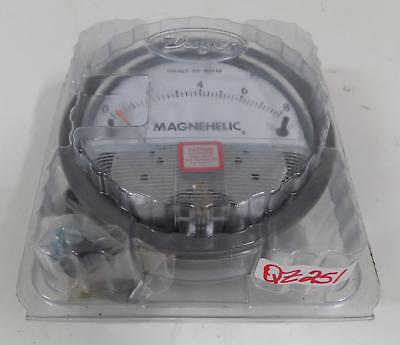 """Dwyer Magnehelic 2008 0""""-8"""" Water Differential Pressure Gauge W13Aa"""