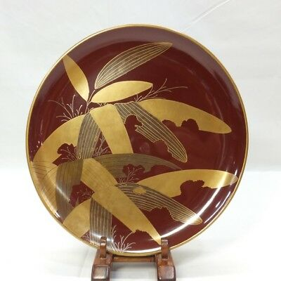 B553 OLD Japanese KASHIKI plate of lacquer ware with good MAKIE of bamboo grass