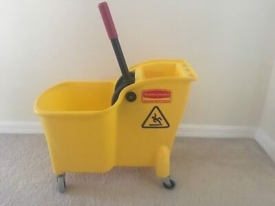 Mop Bucket and Wringer,7.75 gal.,Yellow RUBBERMAID FG738000YEL