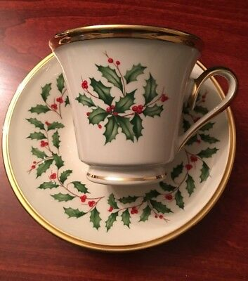 Lenox Fine China - Holiday pattern gold rim - Cup & Saucer (NEW) Made in the USA