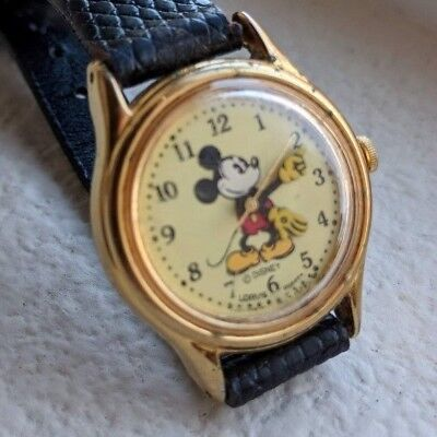 Mickey Mouse Vintage Watch. Disney, Great Patina, Gold Tone, Works