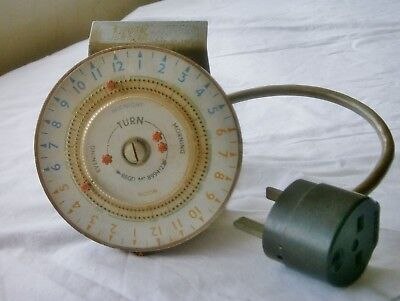 Vintage 1960s  24 Hour Electric Timer and Clix 13 amp plug