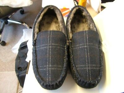 Mens pattern size 15 slippers slip on style