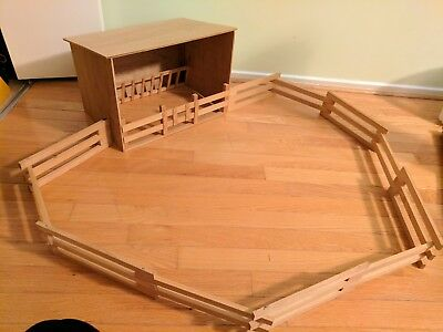 Traditional Sized Breyer Horse Wooden Turn Out Shed/Run In Shed with Corral