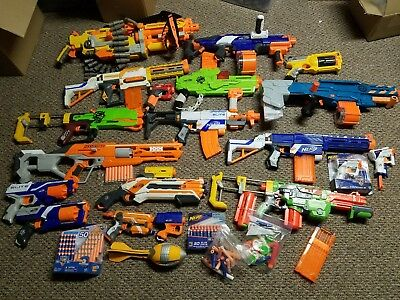 Huge Nerf Lot Of 19 Guns & ammos Accessories - Free Shipping