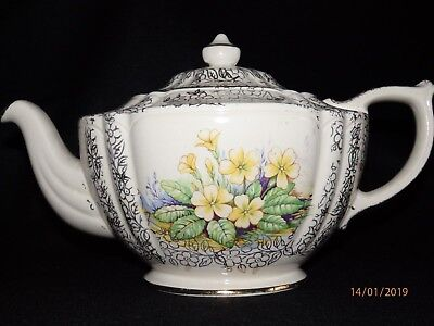Vintage Sadler Oval teapot cream with gold trim and yellow flowers