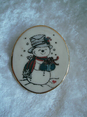 Snowman Christmas Holiday Oval Pin hat present Cream snow scene red scarf green