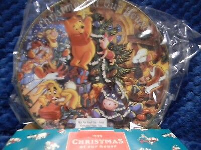 The Bradford Exchange Winnie the Pooh Christmas at Our House Collector Plate