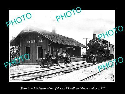 OLD LARGE HISTORIC PHOTO OF BANNISTER MICHIGAN, THE RAILROAD DEPOT STATION c1920