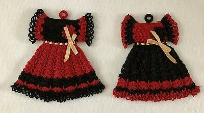 Vintage Kitchen Kitsch Pair Of Hand Crocheted Ladies DressesPot Holders Hot Pads