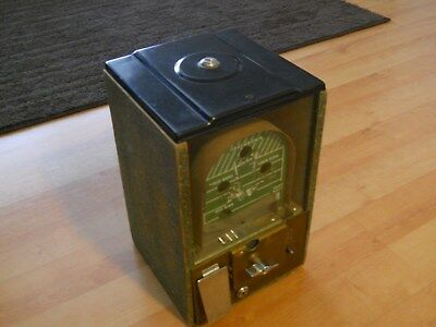 Victor Vending Vintage 1950,s  Coin Op Football Gumball Machine 1 Cent