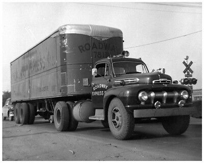 1952 ? Ford Truck Roadway Express Charlotte Factory Photo cb2547