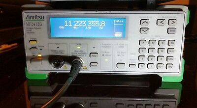 Anritsu MF2412B - 10Hz .. 20GHz Frequenzzähler, Microwave Frequency Counter