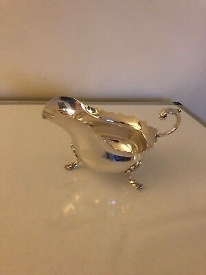 Lovely Large Silver Plated 3 Footed 1/2 Pint Sauce/gravy Boat  Wavey Edged