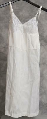 Vintage Isis Lingerie White Nightgown Size 34 g30
