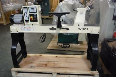 """W1852 22"""" x 42"""" Variable-Speed Wood Lathe"""