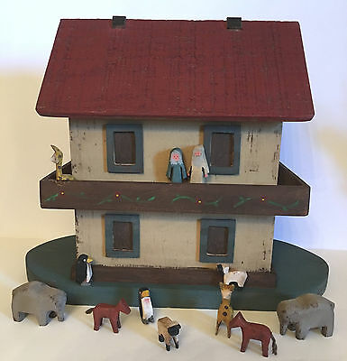 VINTAGE FOLK ART WOOD NOAH'S ARK. Hand Made & Signed Toni Williams 1996 AMERICAN