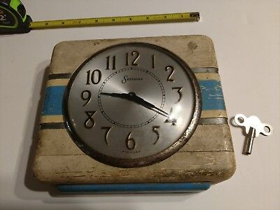 """Antique Sessions Kitchen Wall Clock Made In USA 7""""x 8"""" with Key"""