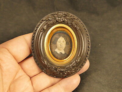 1/16 Plate Daguerreotype Pretty Young Woman In Oval Thermoplastic Frame